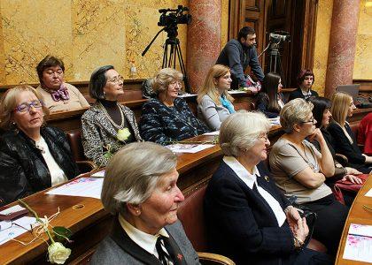 Za povećano učestvovanje starijih žena u javnom i političkom životu
