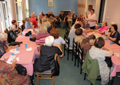 Penzioneri Vračara na Tribini o diskriminatornim ponašanjima prema starijima